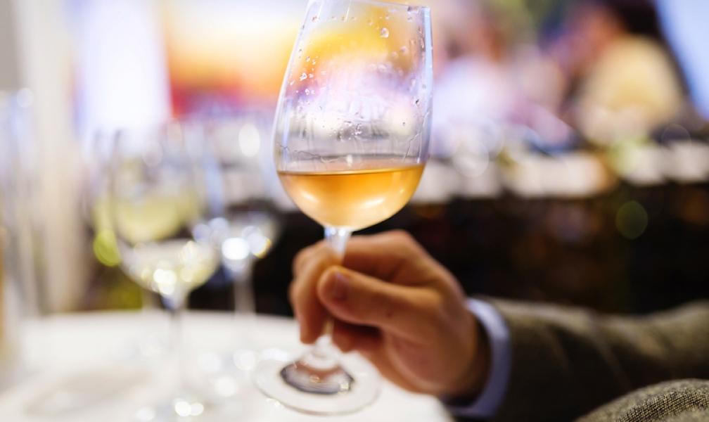 Consells per escollir el tipus de vi blanc més indicat per acompanyar cada àpat